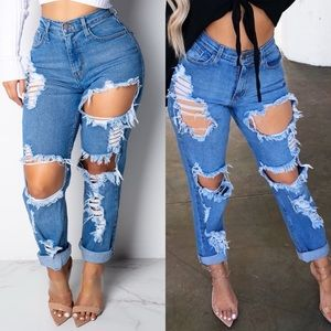 ↬ Ripped To Shreds Distressed Mom/Boyfriend Jeans